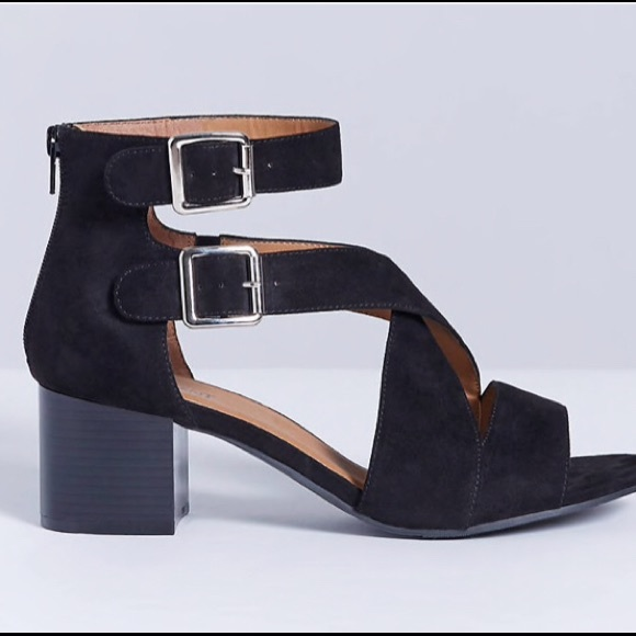 cb46e9e0eb2 Lane Bryant Shoes - Lane Bryant Double Buckle Block Heel Sandal - 8W